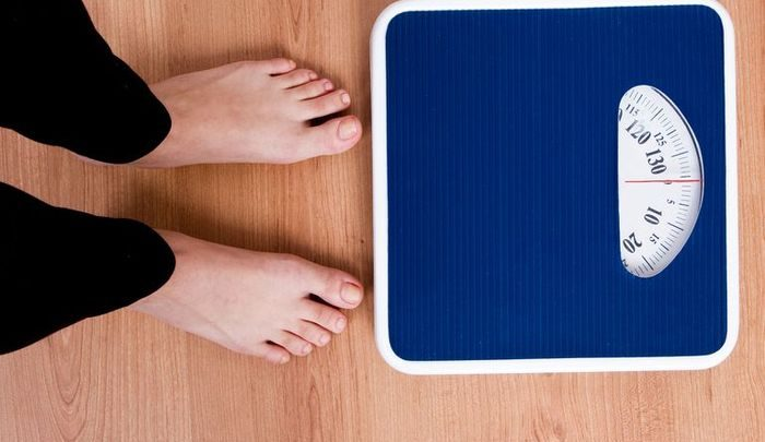 Почему вес колеблется