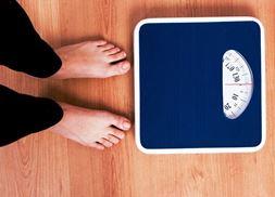Почему мой вес колеблется день ото дня